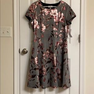 NEW Signature by Robbie Bee Floral A-line Dress